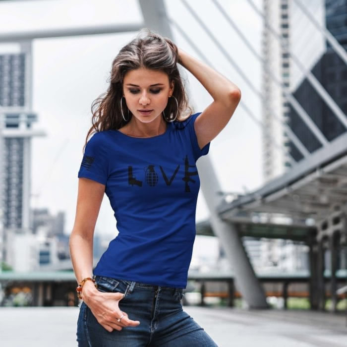 t-shirt with love on royal womens