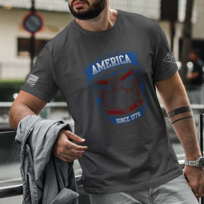 t-shirt salute 1776 on charcoal Men's
