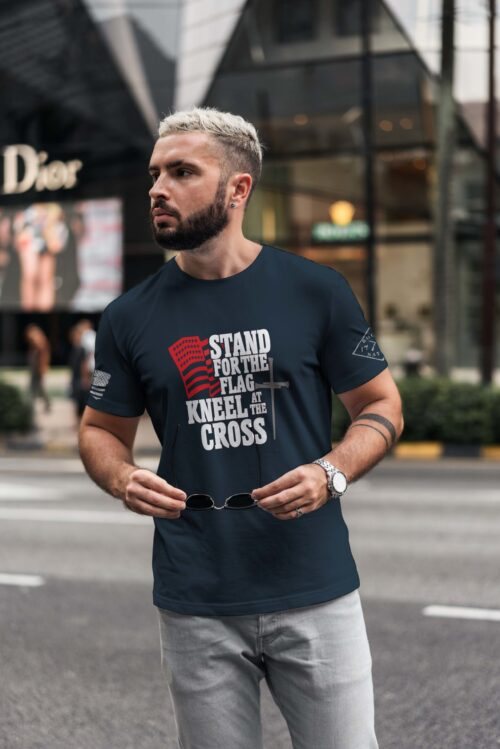 t-shirt with stand for the flag on navy men's