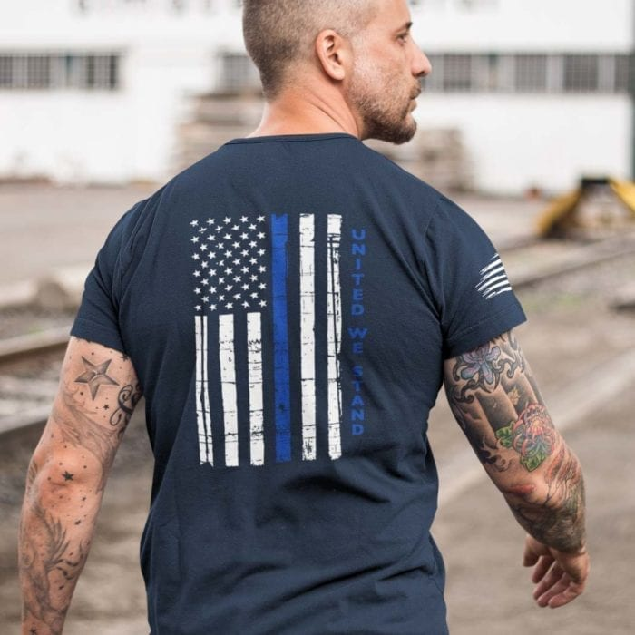 t-shirt with united we stand back for police on navy mens