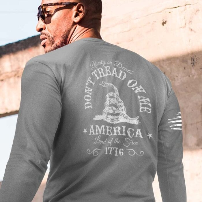 Don't Tread on me on a ligh heather grey long sleeve